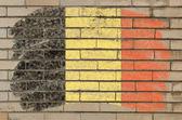 Tebeşir ile belçika bayrağı grunge tuğla duvar boyalı — Stok fotoğraf