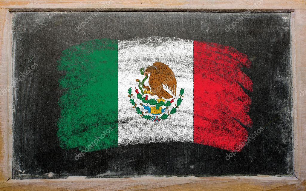 Chalky mexican flag painted with color chalk on old blackboard — Stock Photo #7131117