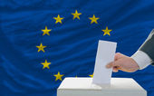 Man voting on elections in europe — Stock Photo