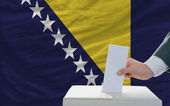 Man voting on elections in bosnia herzegovina — Zdjęcie stockowe
