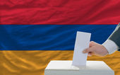 Man voting on elections in armenia — ストック写真