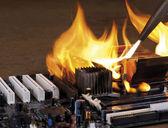 燃烧的计算机主板 — 图库照片