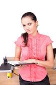 Femme belle jeune entreprise, prendre des notes au bureau — Photo