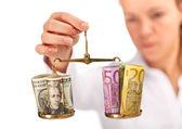 Market research - money balance analyzed — Stock Photo