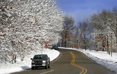 En coche pintoresco invierno — Foto de Stock