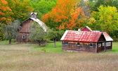 Ahır ve eski ev — Stok fotoğraf