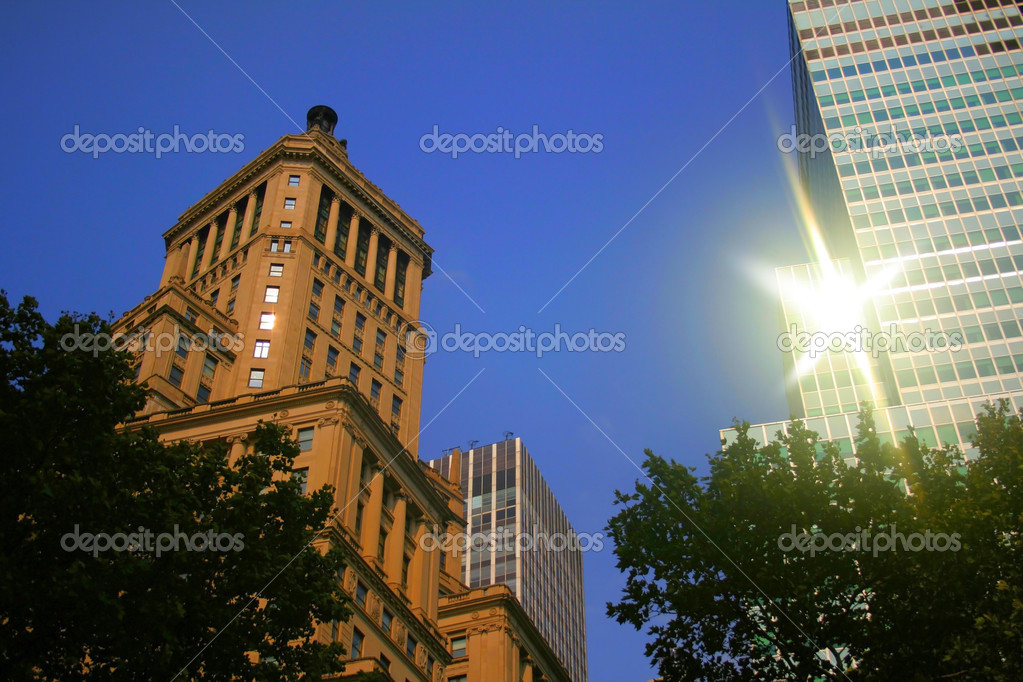 Historic building in Manhattan during evening sun light — Stock Photo #7884814