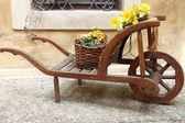 Vintage wooden cart — Stockfoto