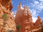 Bryce Canyon crag tower — Stock Photo