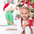 den Nervenkitzel von Weihnachten in der Kindheit — Stockfoto