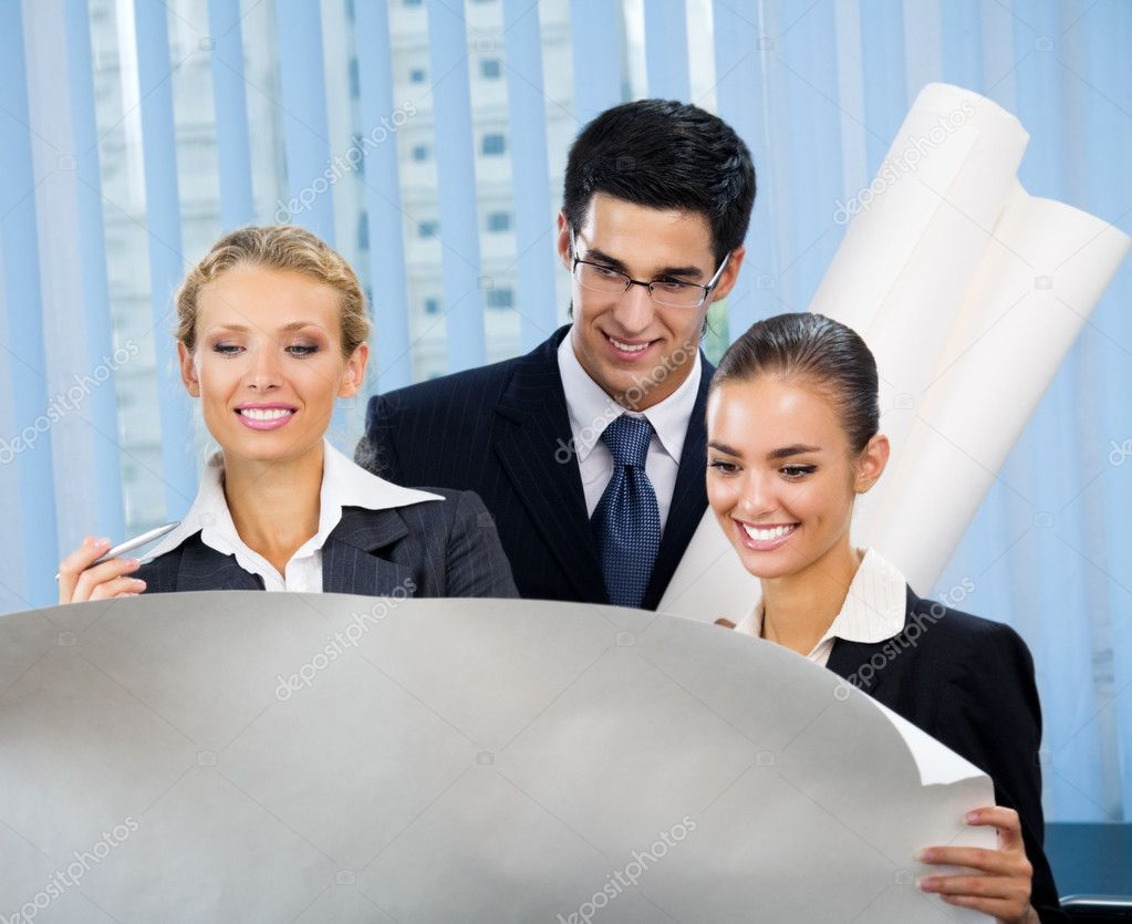 Successful businesspeople planning or brainstorming at office — Stock Photo #7510996