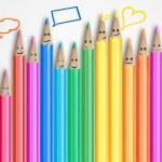Grupa kolorowe uśmiechający się ołówki z bąbelkami znak i mowy społecznej czat — Zdjęcie stockowe