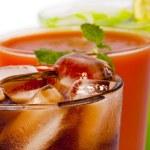 Refreshing summer drinks — Stock Photo