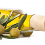 Fresh olive oil bottle isolated — Stock Photo #7390242