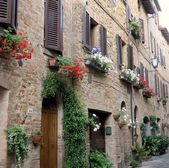 Closeup of street scene in pienza, tuscany italy — Stock Photo