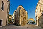 Narrow streets of Susak - traditional dalmatian architecture — Stock fotografie