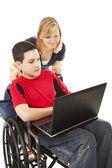 Enfants d'âge scolaire en ligne — Photo