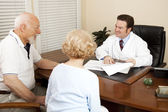 Doctor Discussing Treatment Plan — Stock Photo