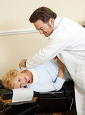 Patient Enjoys Chiropractic Care — Stock Photo