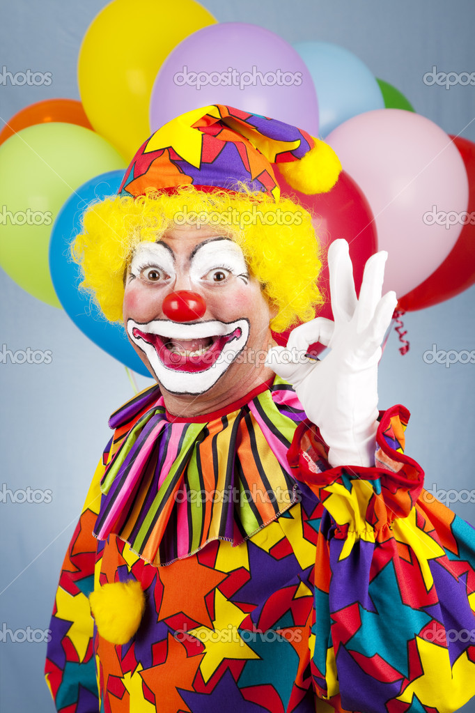 Friendly clown giving the okay sign with his fingers.   — Stock Photo #6802410