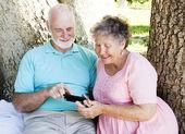 Senior Couple Reads Text Message — Stock Photo