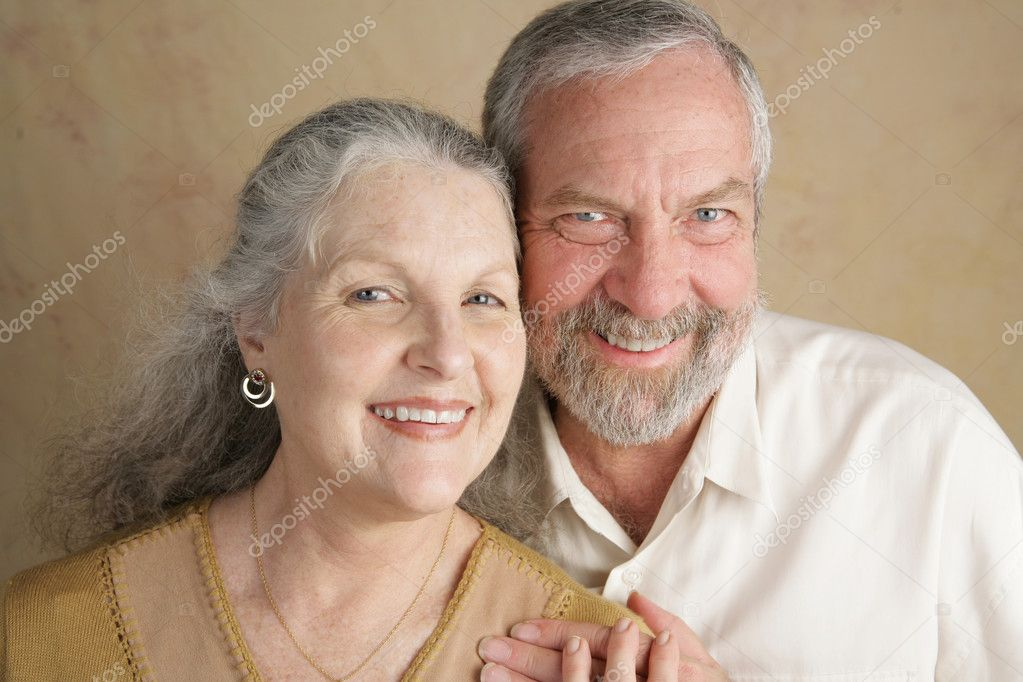 Portrait of a happily married, attractive middle aged couple.   — Stock Photo #6816597