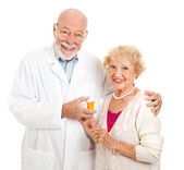 Pharmacist and Customer — Stock Photo