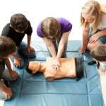 Teenagers Practice CPR — Stock Photo