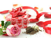 Pink rose and gift box — Stock Photo