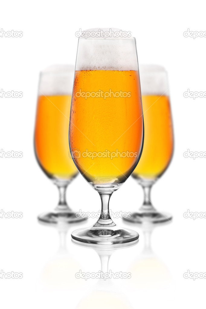 Three glasses full of beer isolated on white background — Stock Photo #7235982