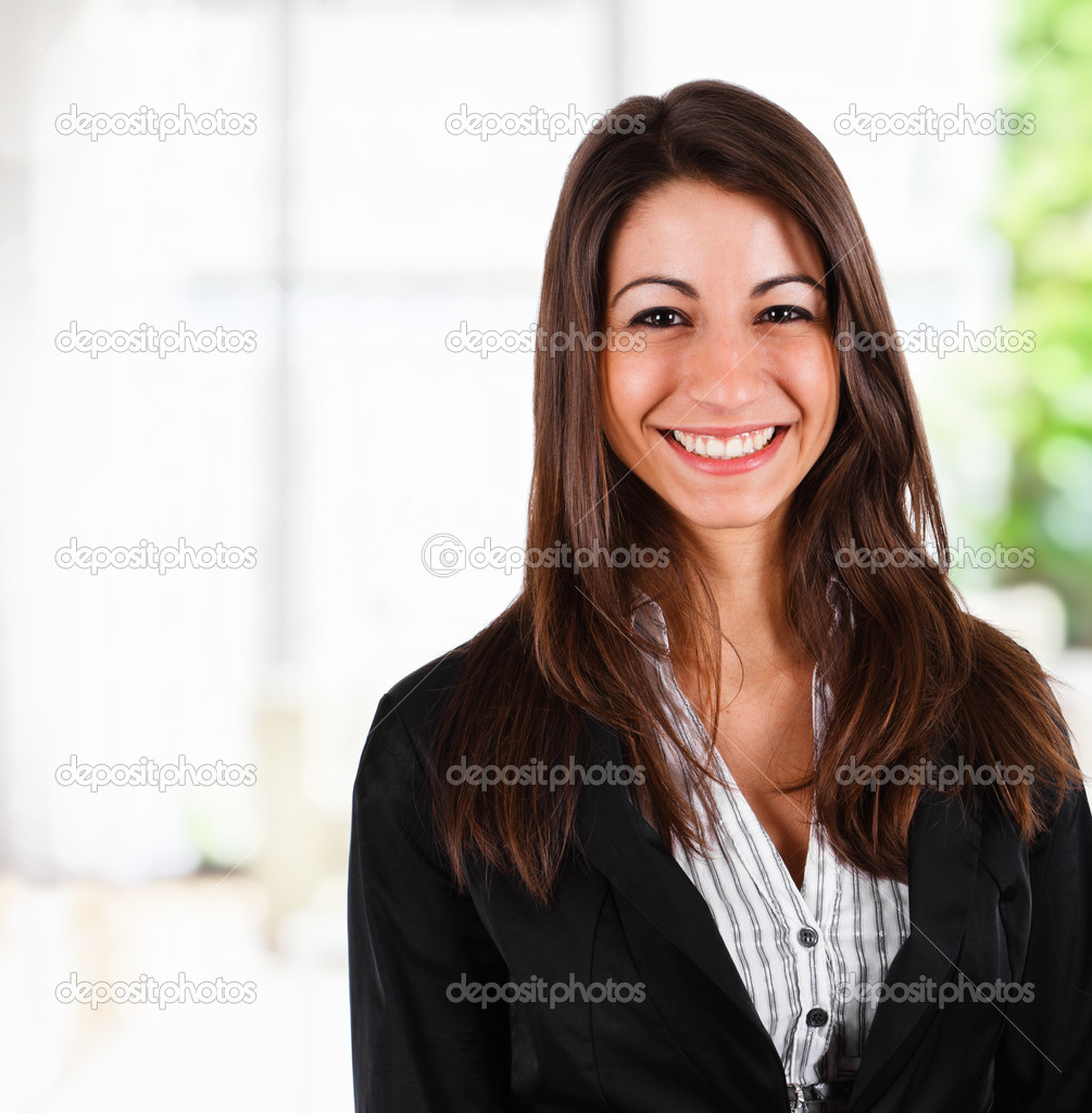 Portrait of a young smiling businesswoman — Stock Photo #6969516