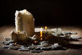 熔炼用木架子上的火 candls — 图库照片