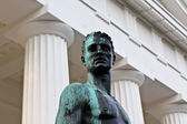 Heroic statue — Stock Photo