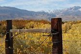 Boundaries of an Eastern Sierra Ranch — Foto Stock