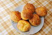 Läcker hemlagad ost muffins — Stockfoto