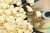 Dvd-homevideo en popcorn — Stockfoto