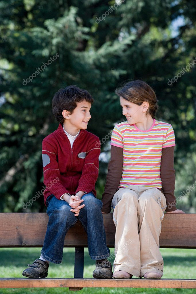 Boy and girl in park — Stock Photo #7037700