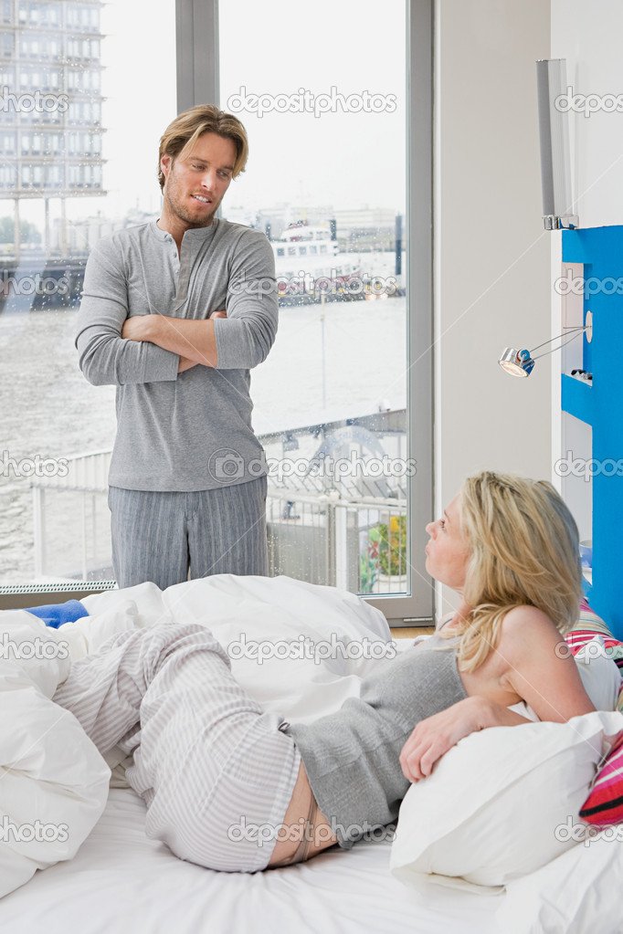 Couple waking up — Stock Photo #7037828