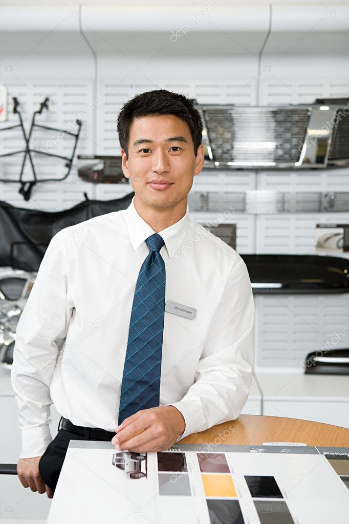 Car salesman — Stock Photo #7039190