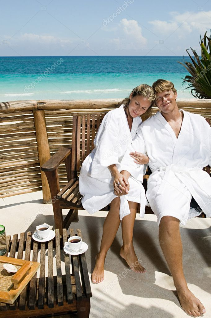 Couple in bathrobes — Stock Photo #7061921