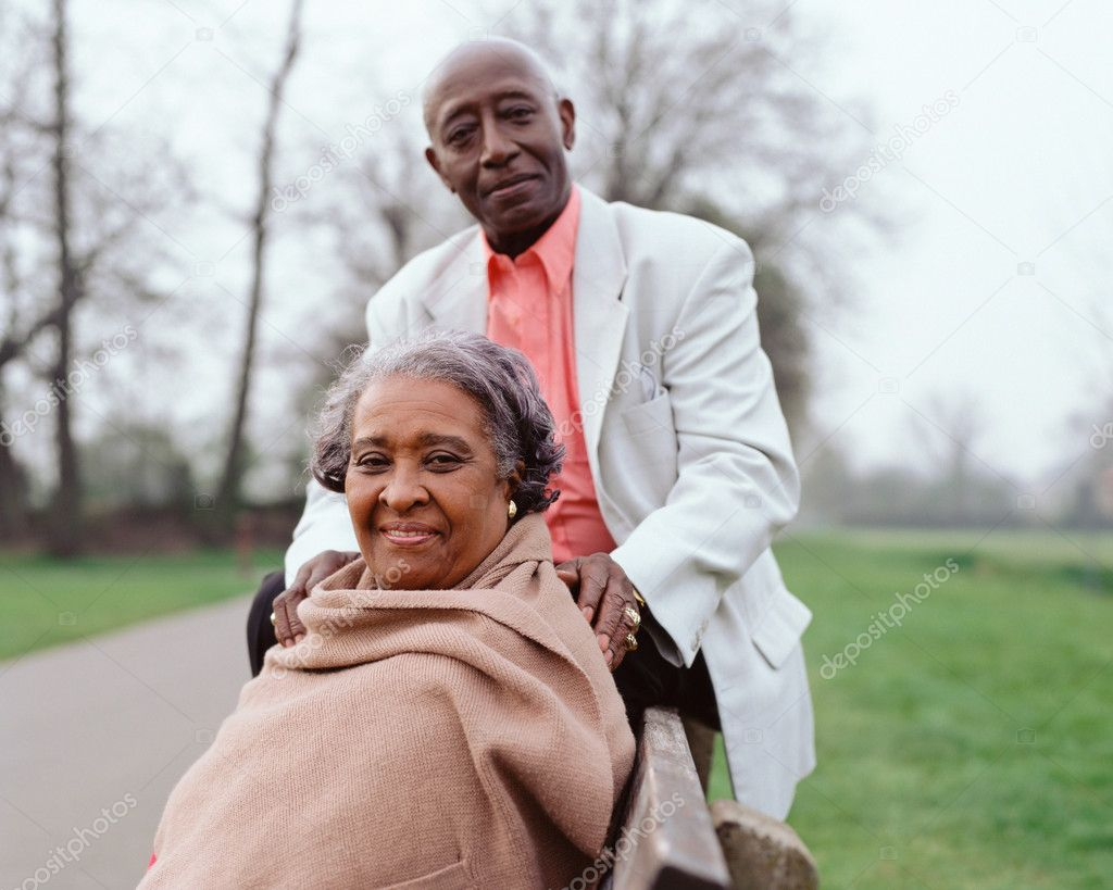 Happy elderly black couple — Stock Photo #7064904