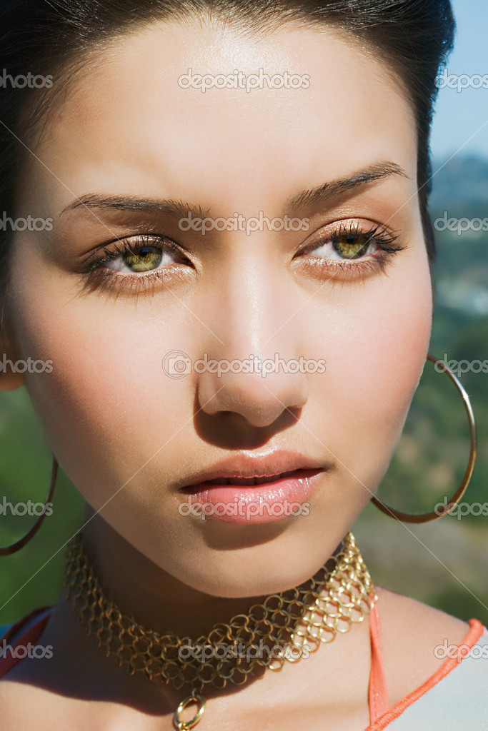 depositphotos_7070433-Portrait-of-a-young-native-american-woman.jpg