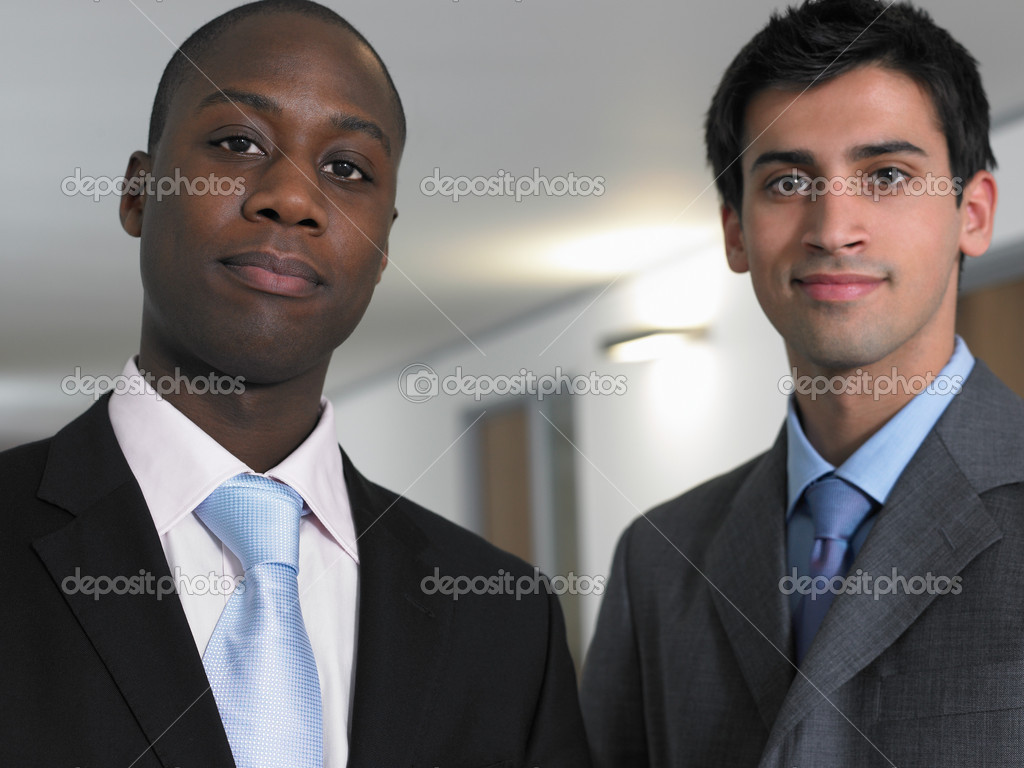 Young businessmen — Stock Photo #7076597