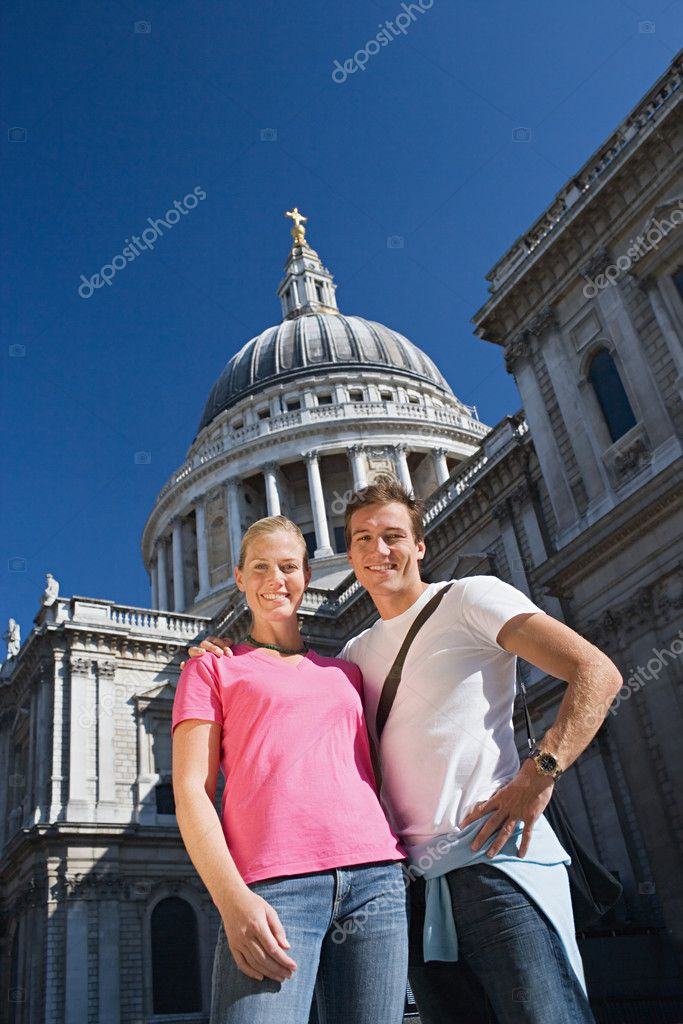 Couple by London Eye — Stock Photo #7083714