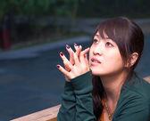 Detailní portrét krásné módní asijské dívky, mimo — Stock fotografie