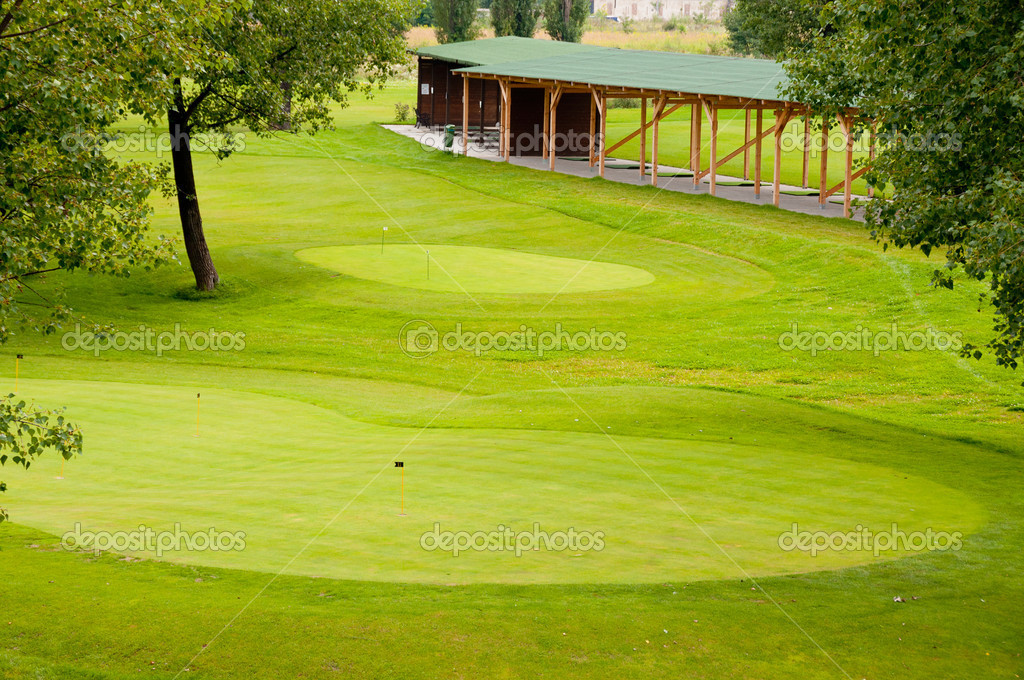 Decent view on european golf park — Stock Photo #6940786