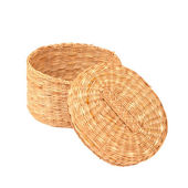 Handmade braided basket with a lid — Stock Photo