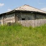 The old uninhabited house. — Stock Photo