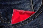 презервативов в кармане — Стоковое фото