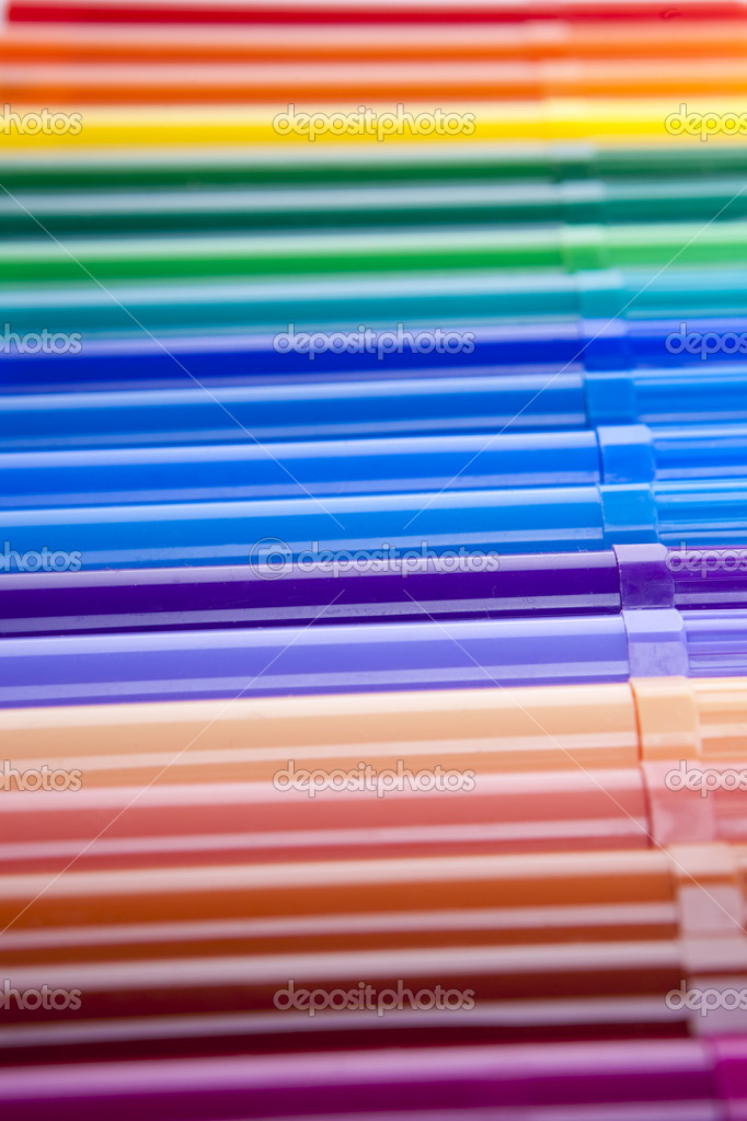 Concept image of set of felt-tip pens of different colors  Stockfoto #6954543